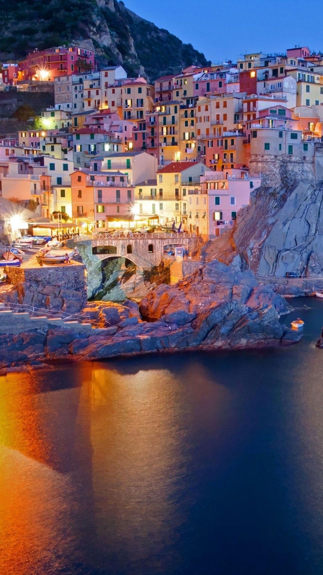 イタリア マナローラ 海岸沿いの夜景 夜景 壁紙 史跡 壁紙