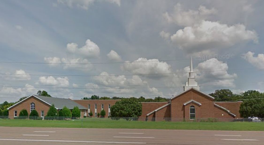 North Jackson Church Of Christ Hwy 45 And Oil Well Rd Jackson Tn House Styles Churches Of Christ Mansions