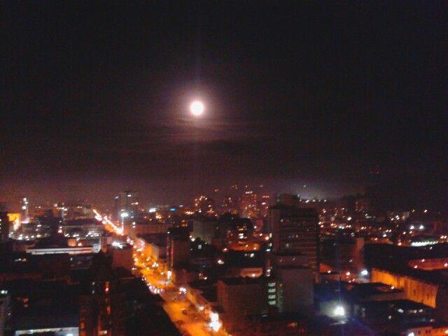 La luna esta hermosisima en concepcion