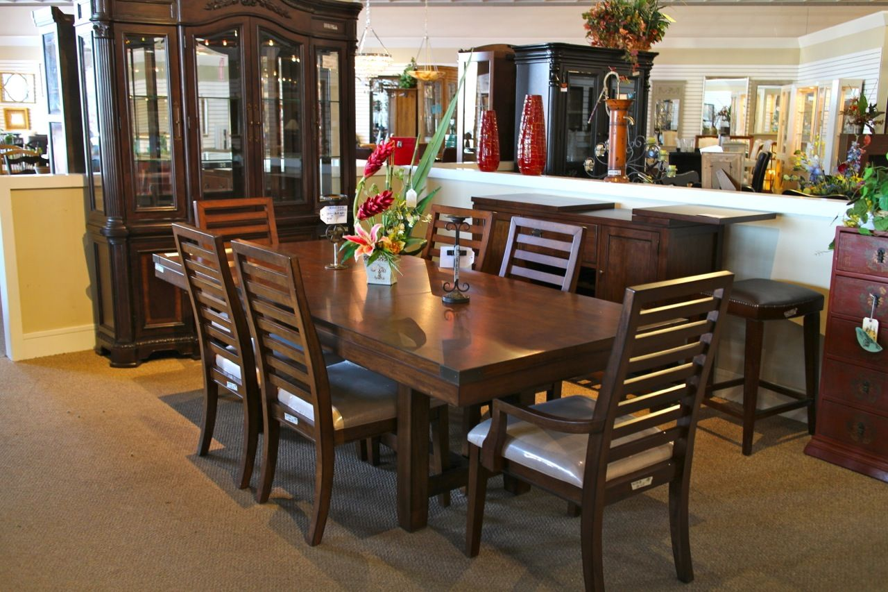 Klaussner Dining Table W 6 Chairs