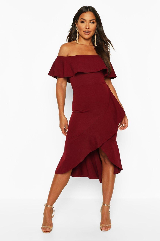 Off The Shoulder Ruffle Midi Dress Boohoo In 2020 Midi Ruffle Dress Midi Dress Red Midi Dress [ 1500 x 1000 Pixel ]