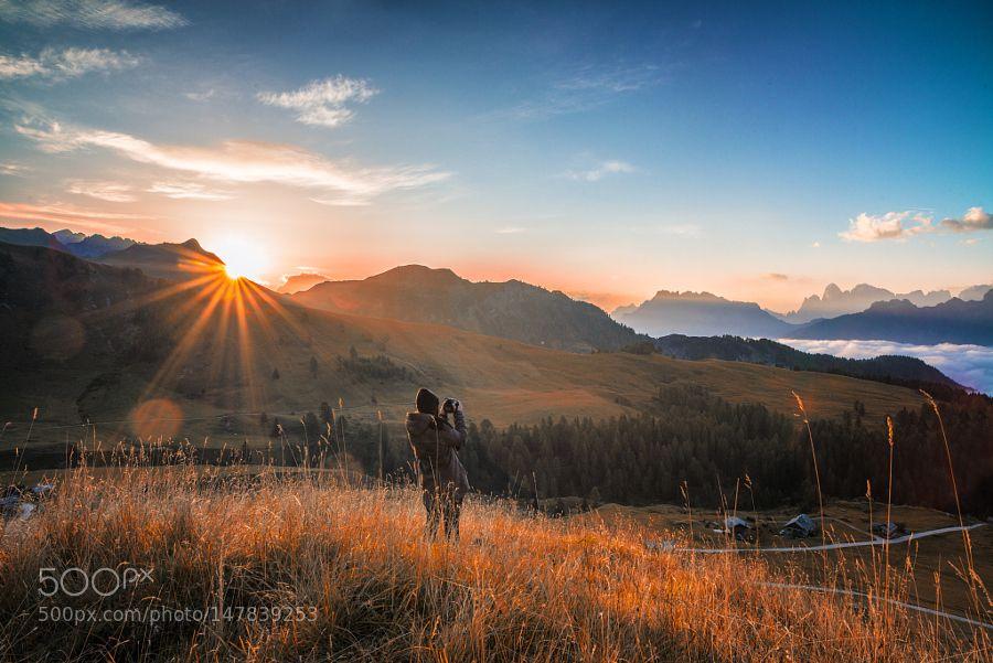 Sunrise at Horizon. by MattiaBonavida