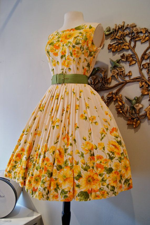 great use of a border print for this 1950's sundress