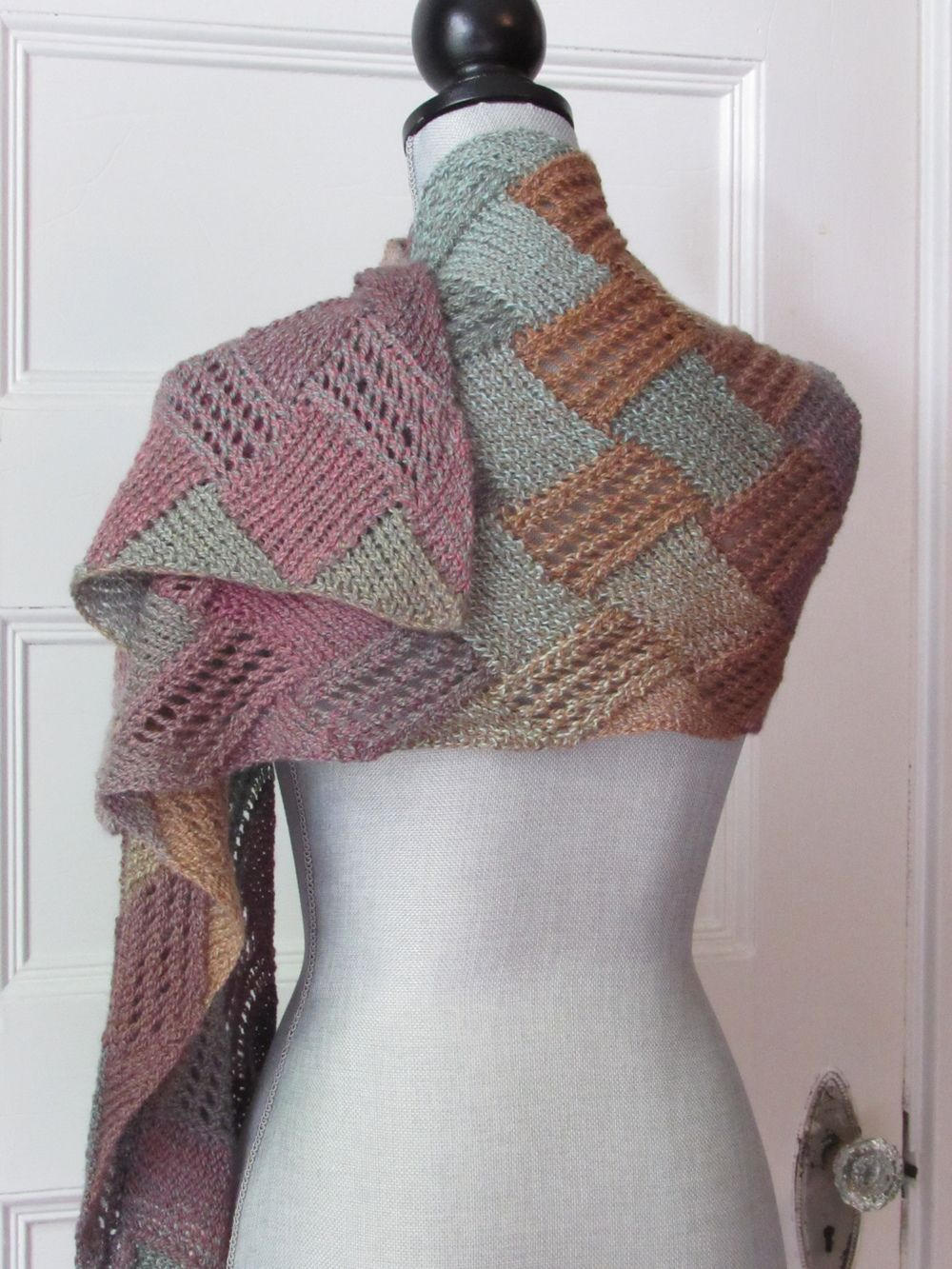 Entrelac boho scarf pattern scarves yarns and scarf patterns entrelac boho scarf pattern bankloansurffo Gallery