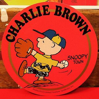 スヌーピー チャーリー ブラウン 2000年発売のスヌーピータウン限定ステッカー 直径12センチもあります もちろん1点ものです 可愛い スヌーピー ステッカー 可愛い