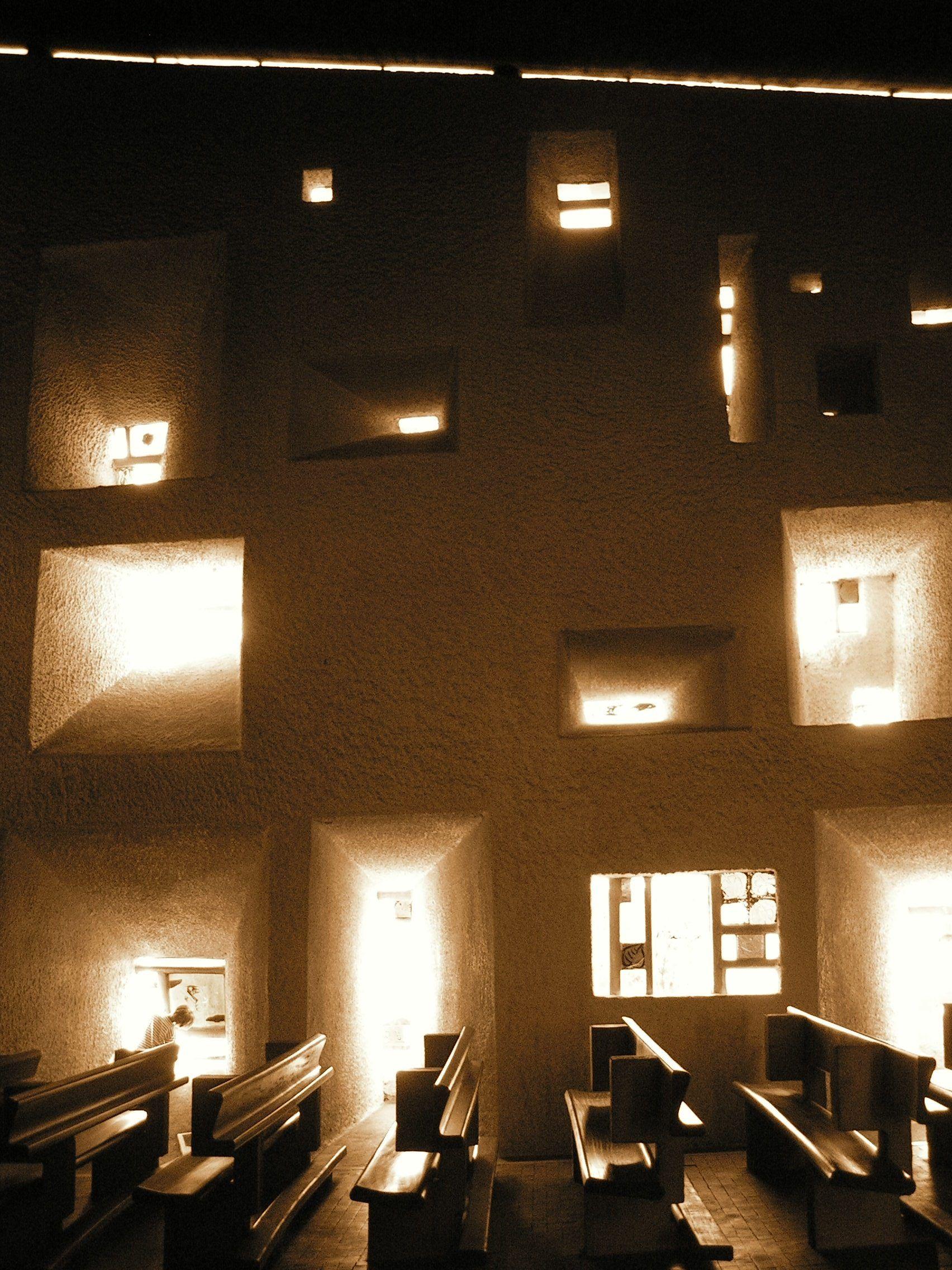 le corbusier notre dame du haut ronchamp france archit kton f r baukunst. Black Bedroom Furniture Sets. Home Design Ideas