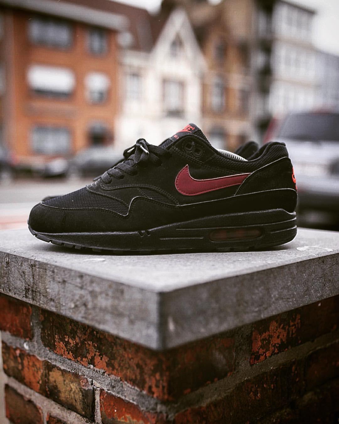 cheap for discount 6a365 341ca Nike Air Max 1