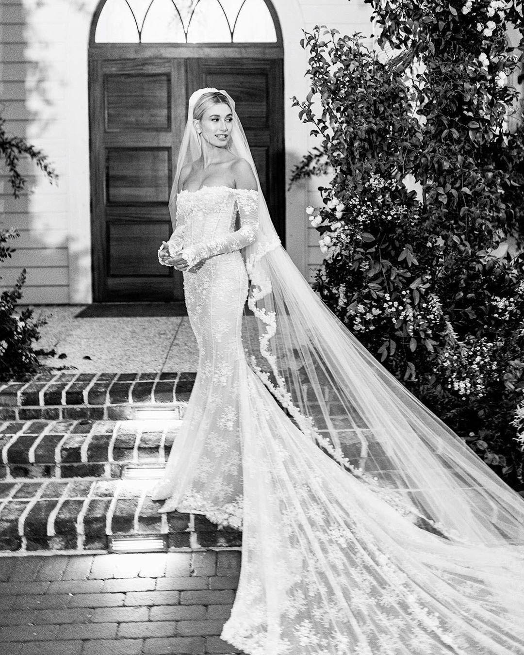 Hailey Bieber Wedding Braut Brautkleid Hochzeitskleid