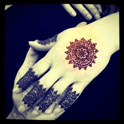 Henna lace finger cuffs