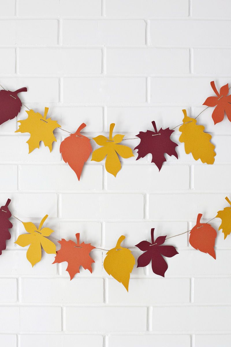 Paper Leaf Garland— print the template to make your own! #autumncolours