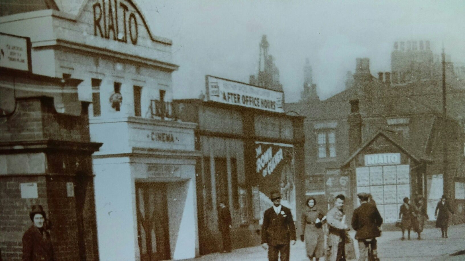 The Rialto Beverley Road Hull The Cinema Was Re Named The National After The War Was Closed In 1961 And Reopened As A Kingston Upon Hull Hull England Hull