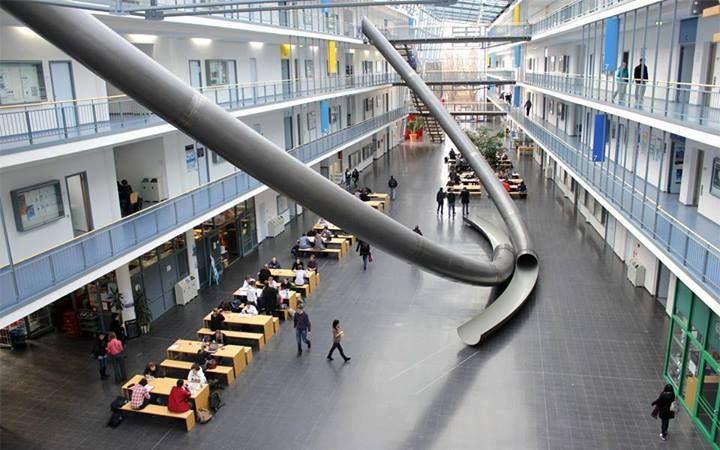 Estudantes Da Universidade Tecnica De Munique Podem Usar