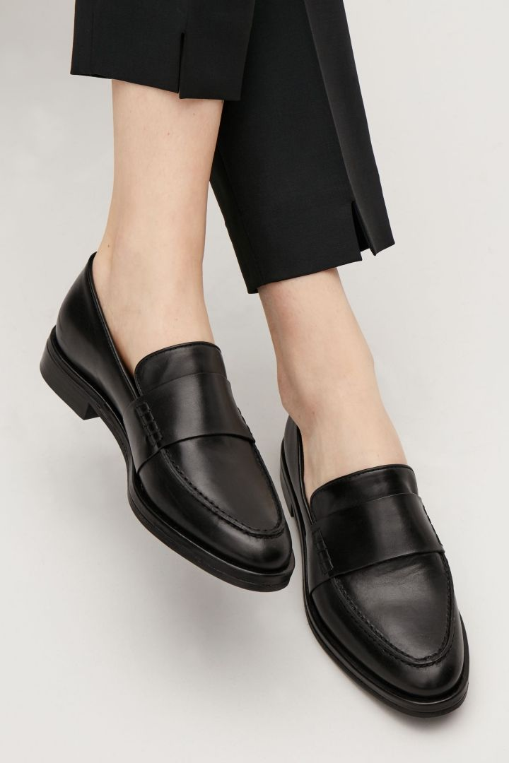COS Classic leather loafers in Black