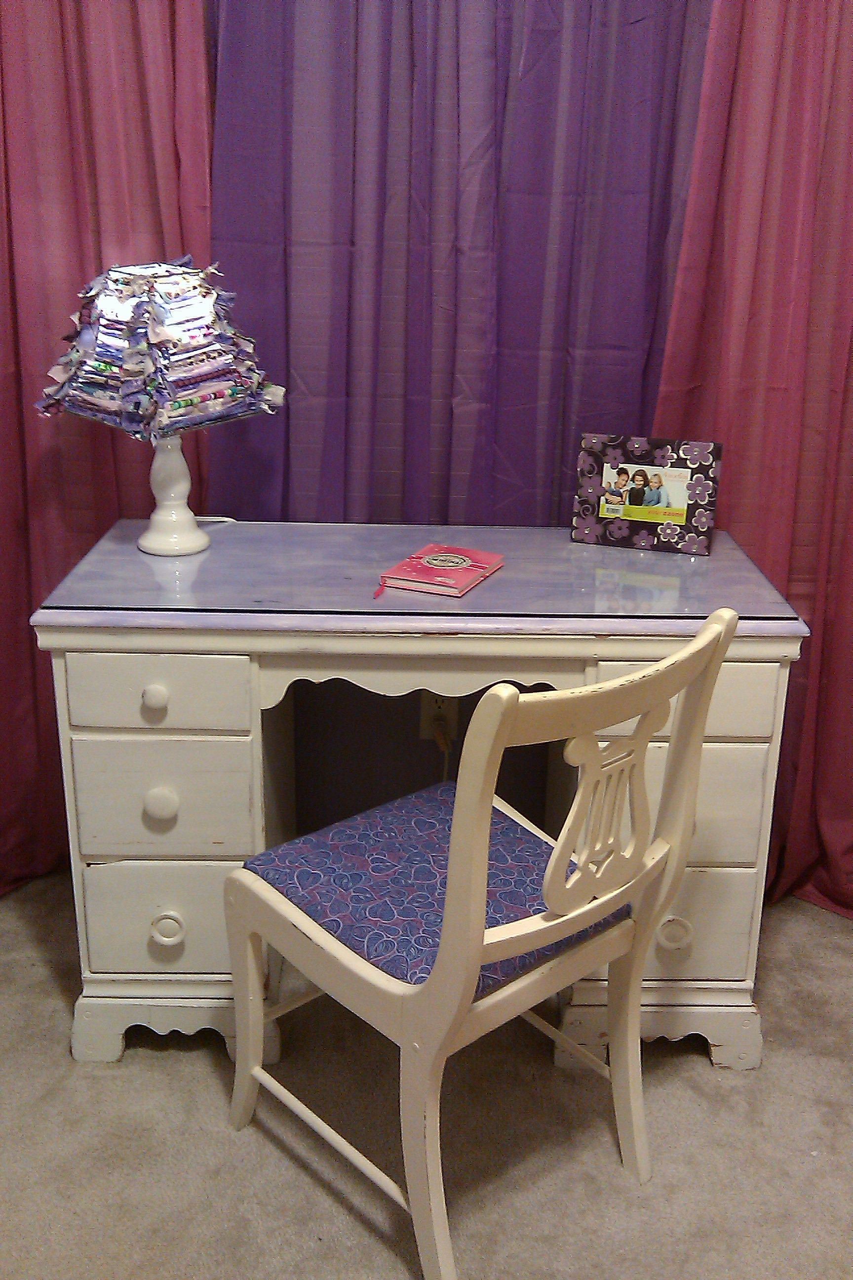 Girls desk with DIY fabric lampshade! My Craft Projects