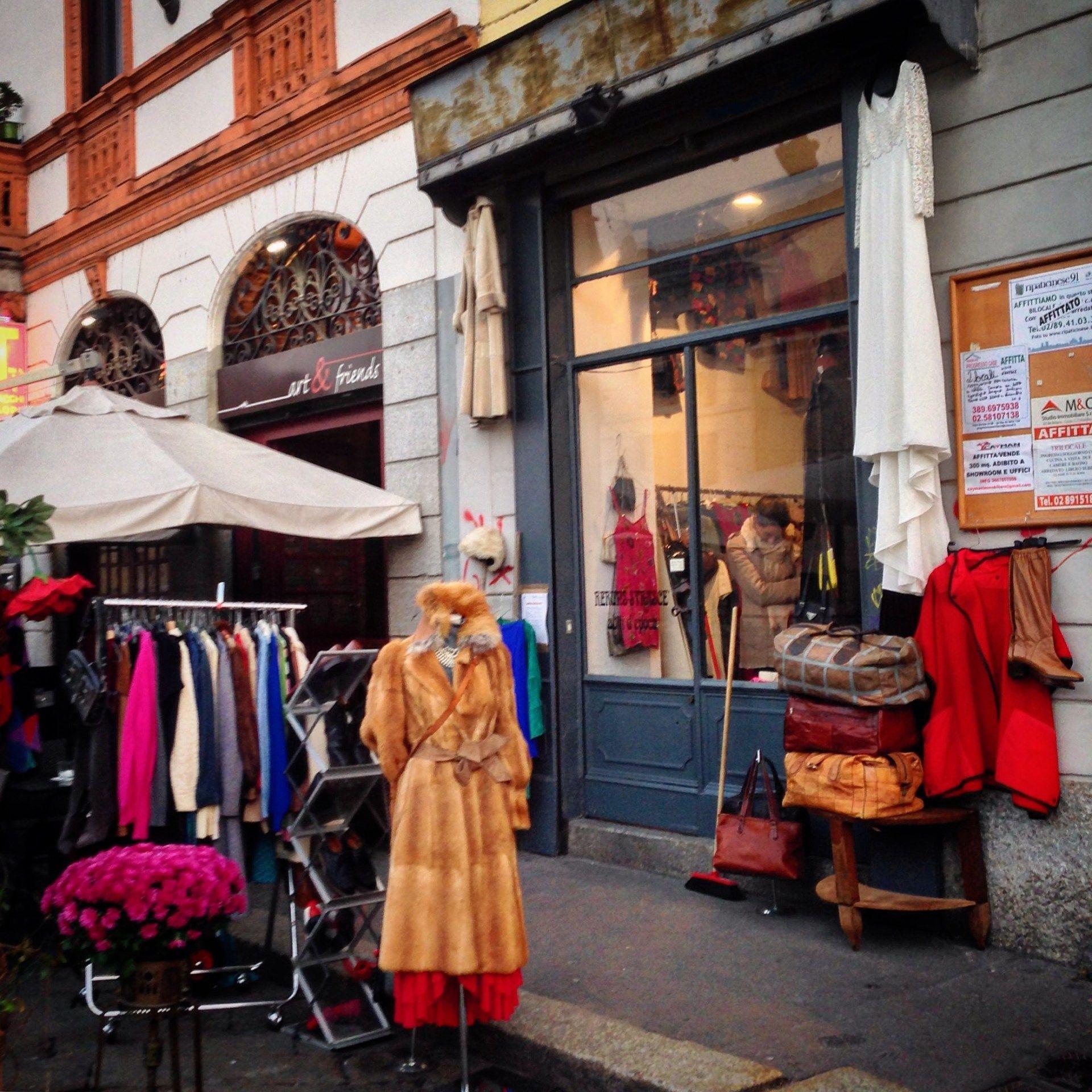 Vintage Clothing Shop In The Navigli Vintage Clothes Shop Milan Navigli Milan
