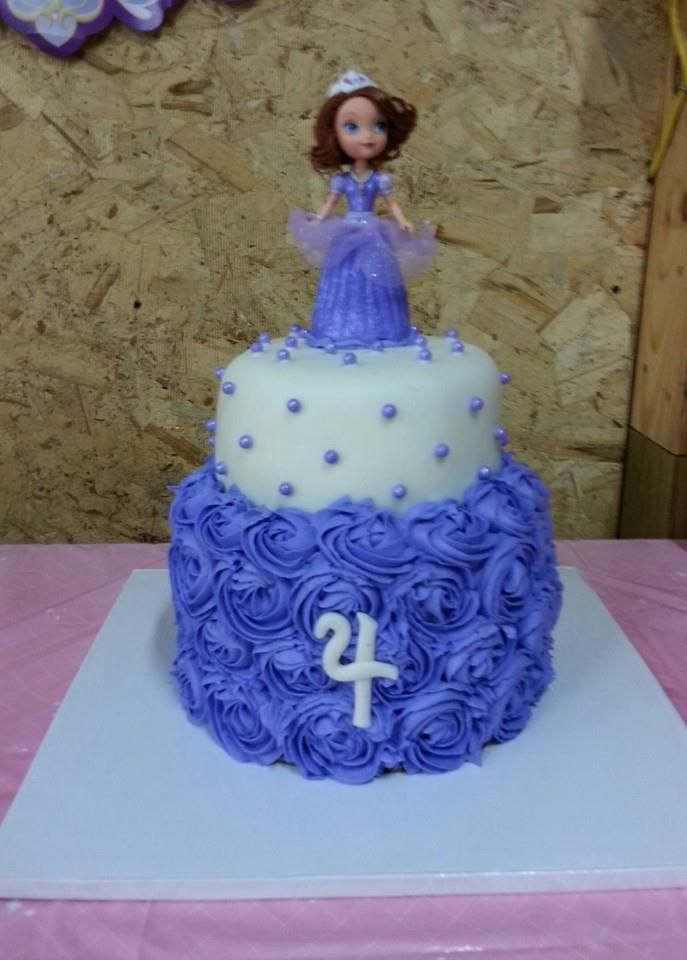 sofia the first birthday cake sofia the cake with fondant and rosettes pretty 7585