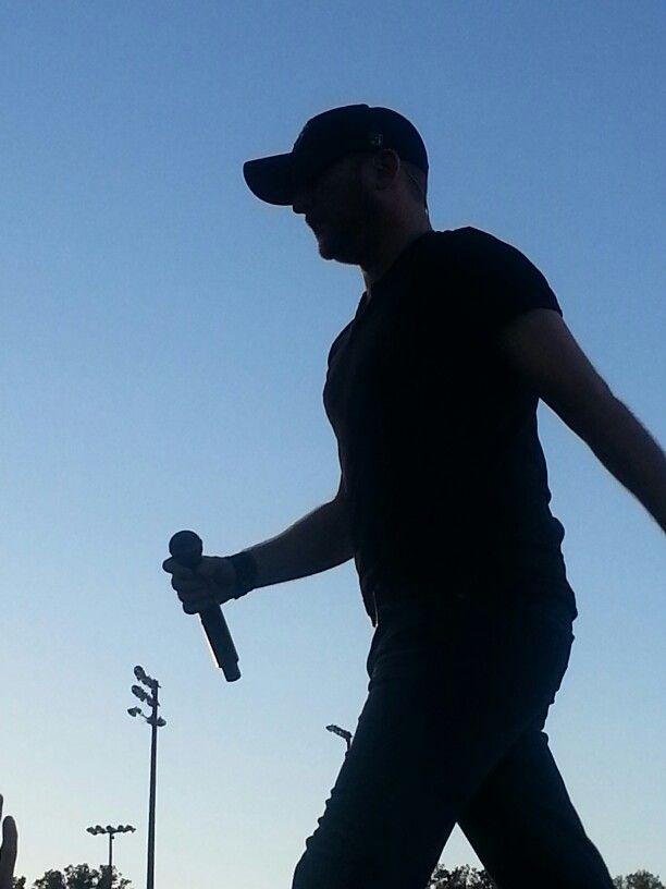 Cole Swindell @ Luke Bryan Farm Tour Villa Rica, Ga 10-9-13