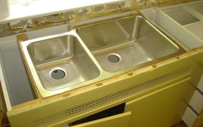 How To Install Undermount Kitchen Sinks Kitchen Sink Remodel