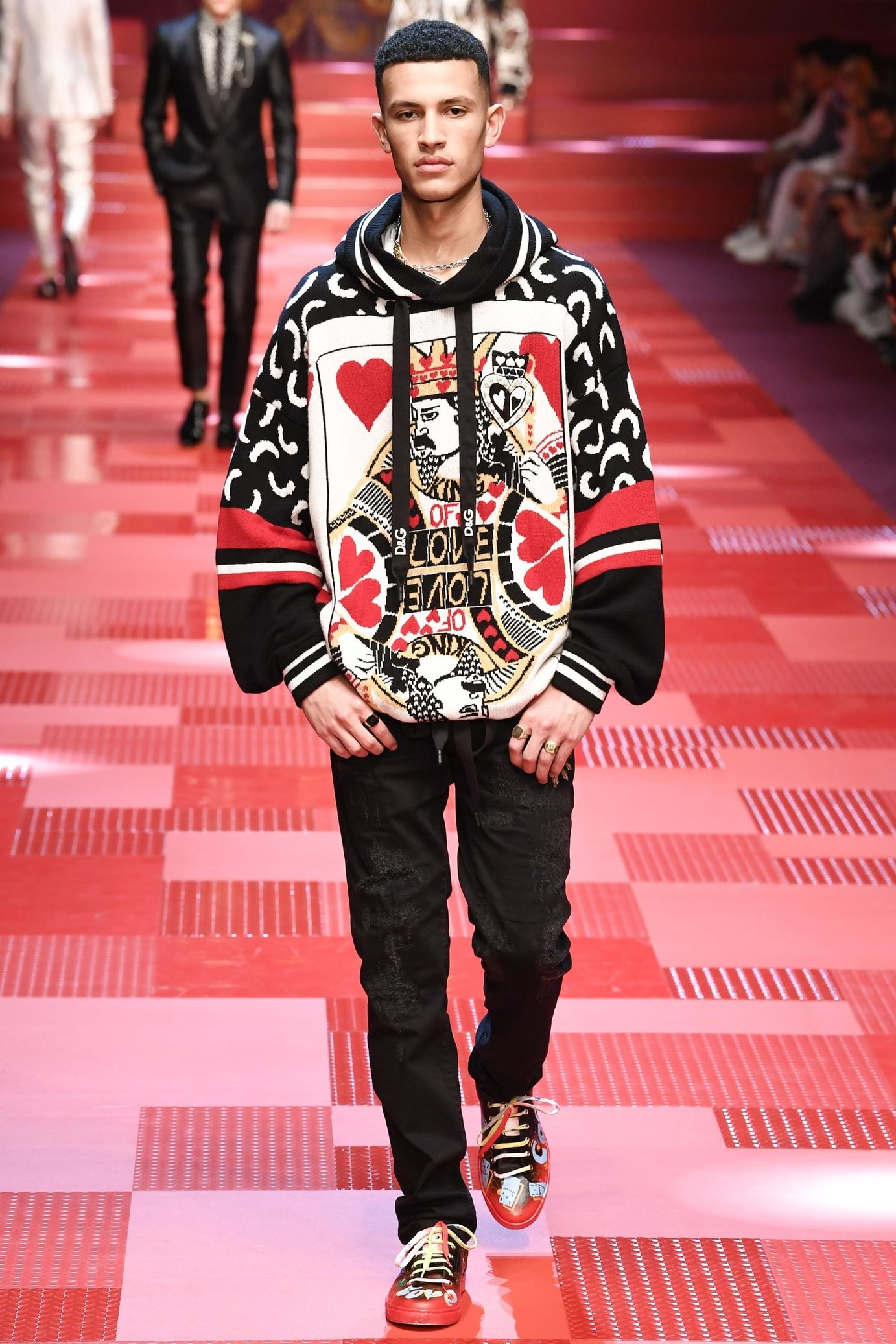 72fa1a60e3 Défilé Dolce & Gabbana: Printemps-été 2018   yi   Mode homme ...