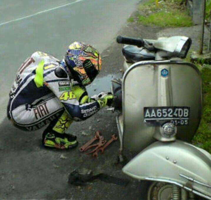 Rossi Vespa Repair Vespas Vespa Vespa Lambretta Cars Motorcycles