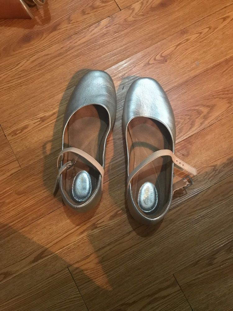 c3861505cc2 Clarks silver leather and rose strap Womens size 9.5 Feature Film flats   fashion  clothing  shoes  accessories  womensshoes  flats (ebay link)