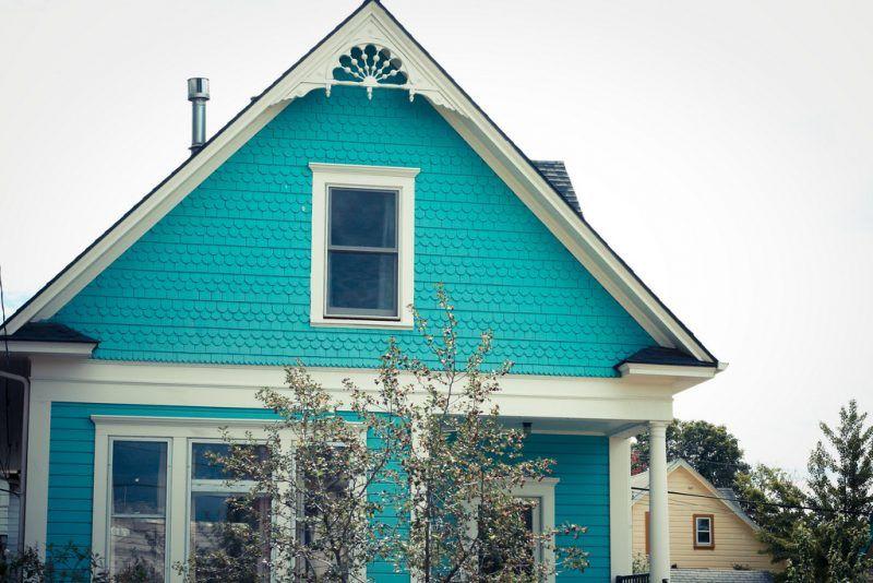 beispiele f r fassadenfarben fassadenfarbe t rkis und. Black Bedroom Furniture Sets. Home Design Ideas