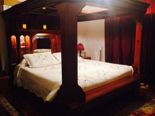 Solid Wood King Canopy Bed With Mirrored Ceiling And Mattress