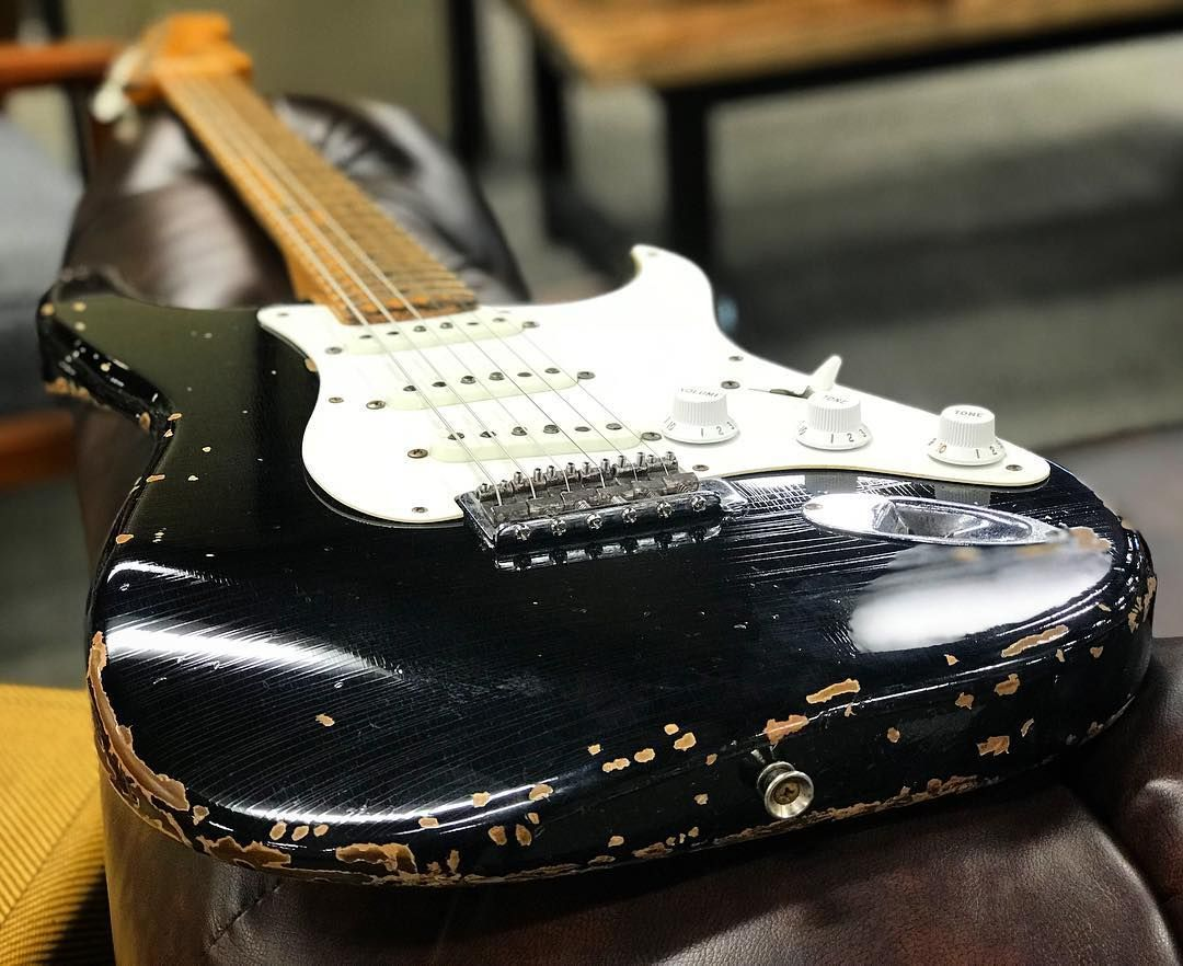 Vintage Guitars That Is Best Quality Stratocasterguitar Fender Guitars Cool Electric Guitars Rare Guitars