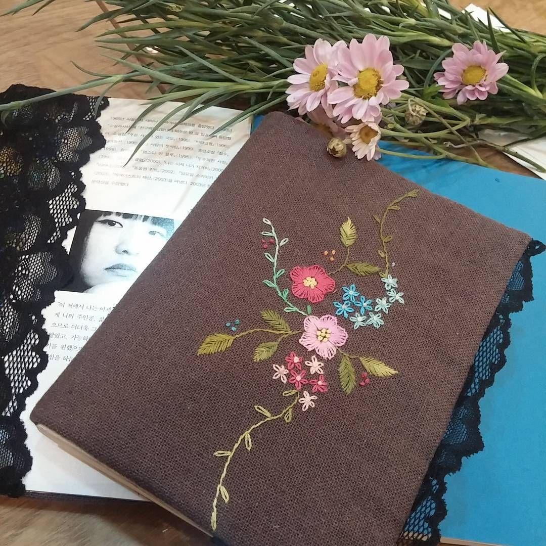 #Embroidery#stitch#needlework  #프랑스자수#일산프랑스자수#자수 #Book cover #책과 친해지기로~ ~