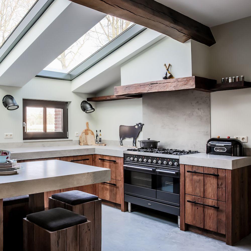 Oud houten keuken met keramiek werkblad mereno worchester for Werkblad keuken keramiek