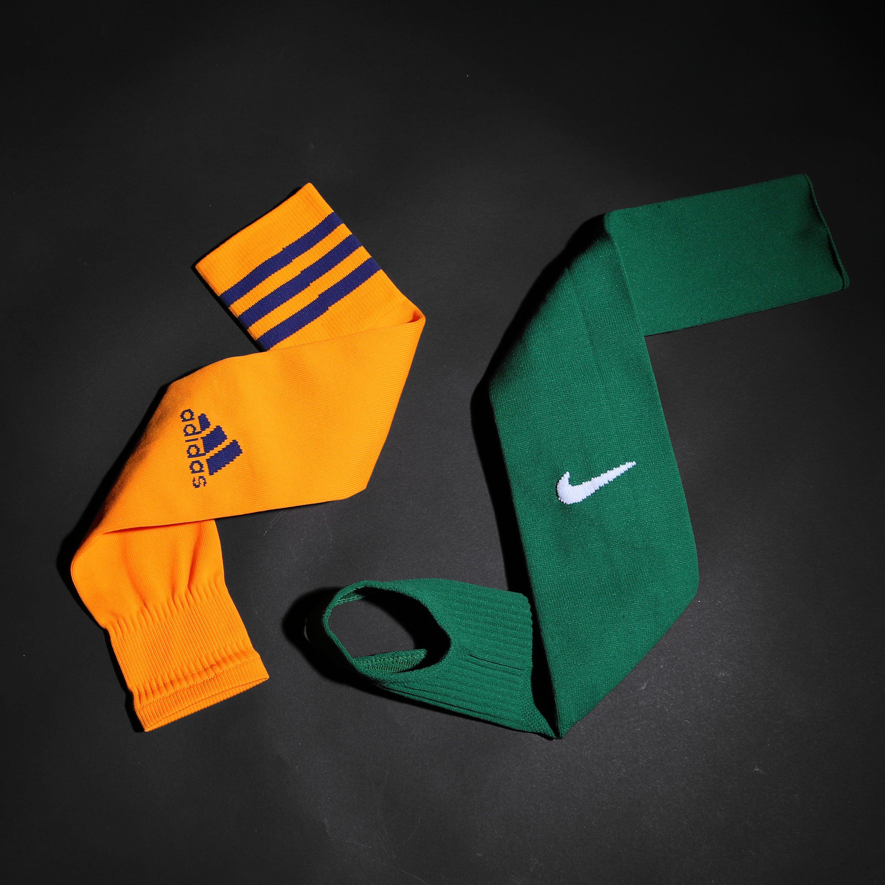 Medias y calcetines sin pie para fútbol. Foto  Marcela Sansalvador para  futbolmania.com 866f53102583b