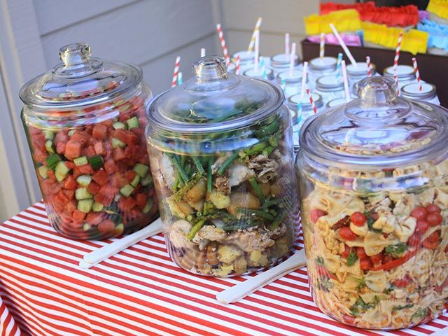 D jeuner au jardin pour pr senter les salades ella for Jardin glass jars