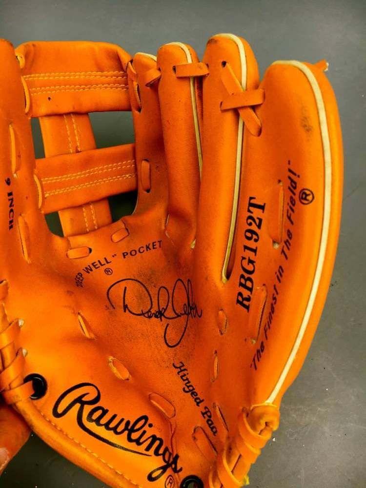 Rawlings 9 Youth Baseball Glove Rbg192t Derek Jeter Signature Right Hander Thro Rawlings Softball Gloves Youth Baseball Gloves Baseball Glove