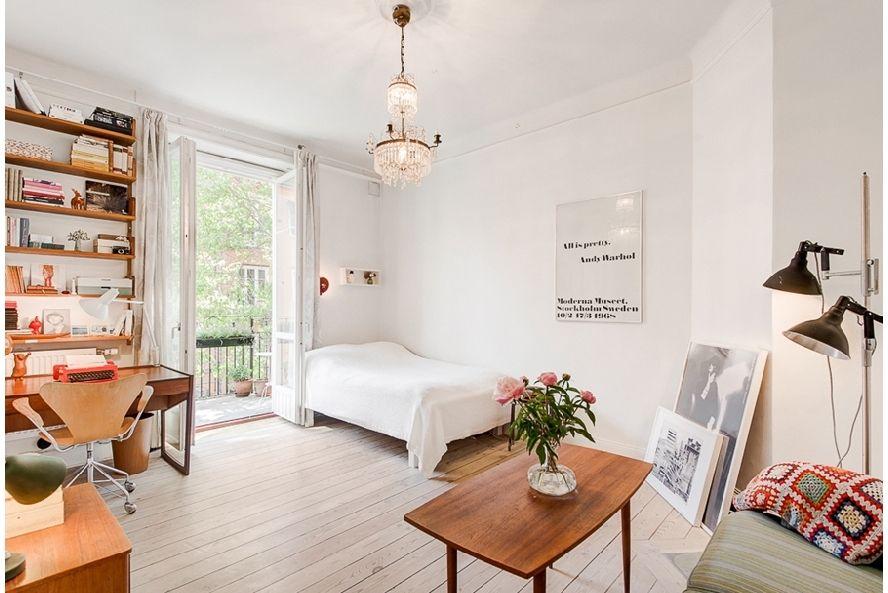 34 square meters apartment, Södermalm, Stockholm // Fastighetsmäklarna #sleeping #living #study