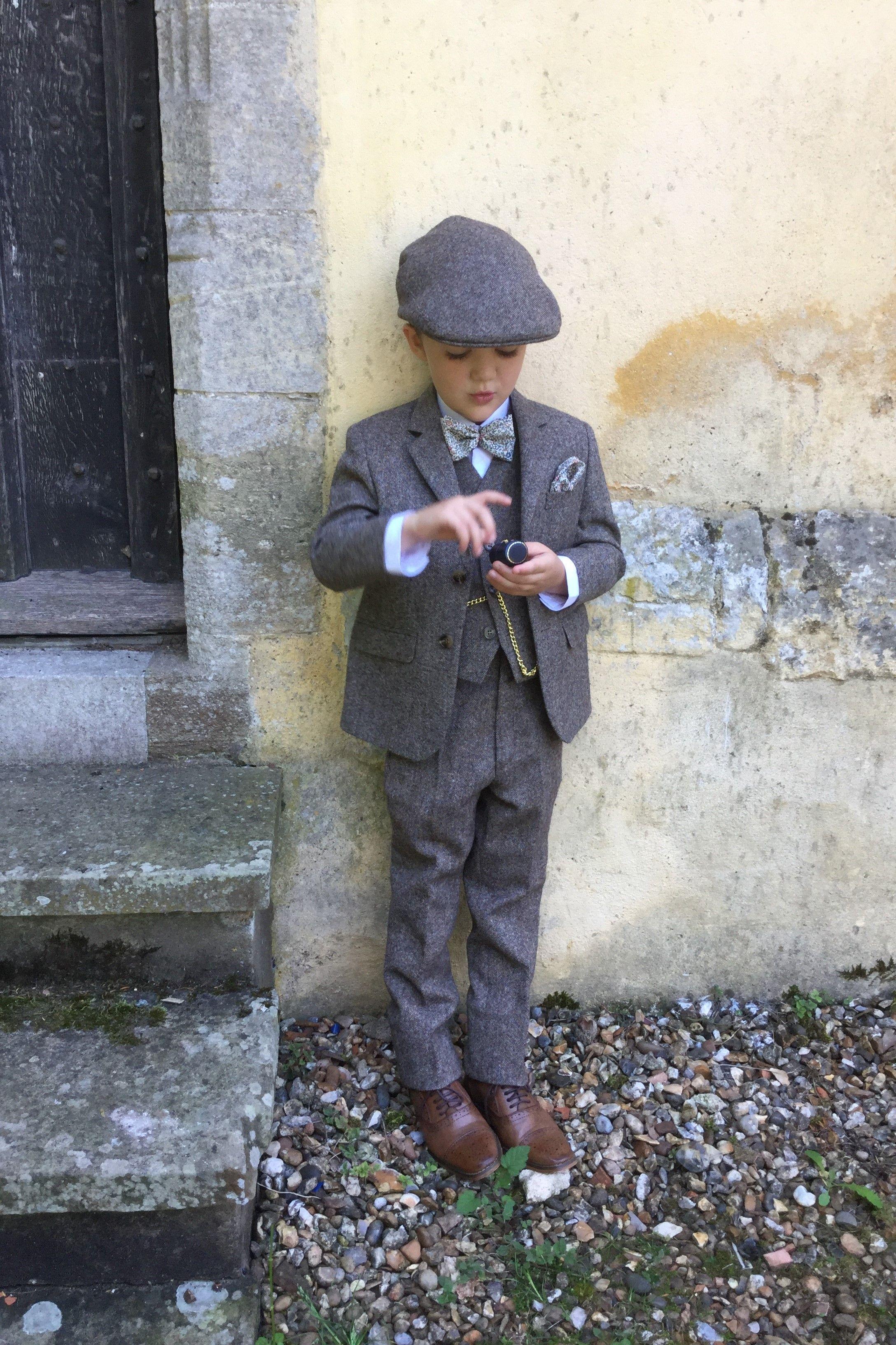Tweed Suit Hire Berkshire, Hampshire & Surrey Black Tie