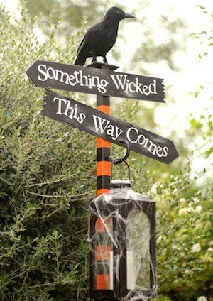 50 Cheap and Easy Outdoor Halloween Decor DIY Ideas - Prudent Penny