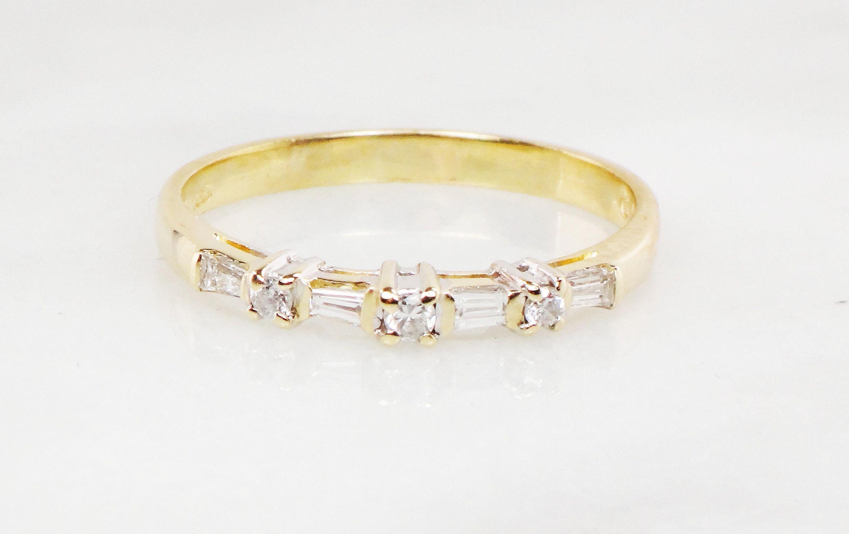 Vintage Diamond Wedding Band 14k Yellow Gold Diamond Wedding Ring Baguette And R Vintage Diamond Wedding Bands Diamond Wedding Bands Gold Diamond Wedding Rings