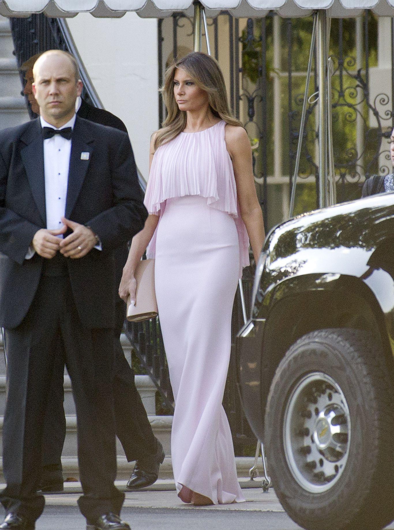 Melania Trump o cómo deslumbrar en una boda con el look de invitada ...
