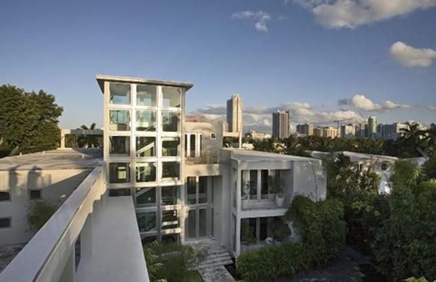 Lil Wayne S Miami Mansion Hits Market For 18m Complete With Rooftop Skate Park Miami Mansion Mansions Celebrity Houses