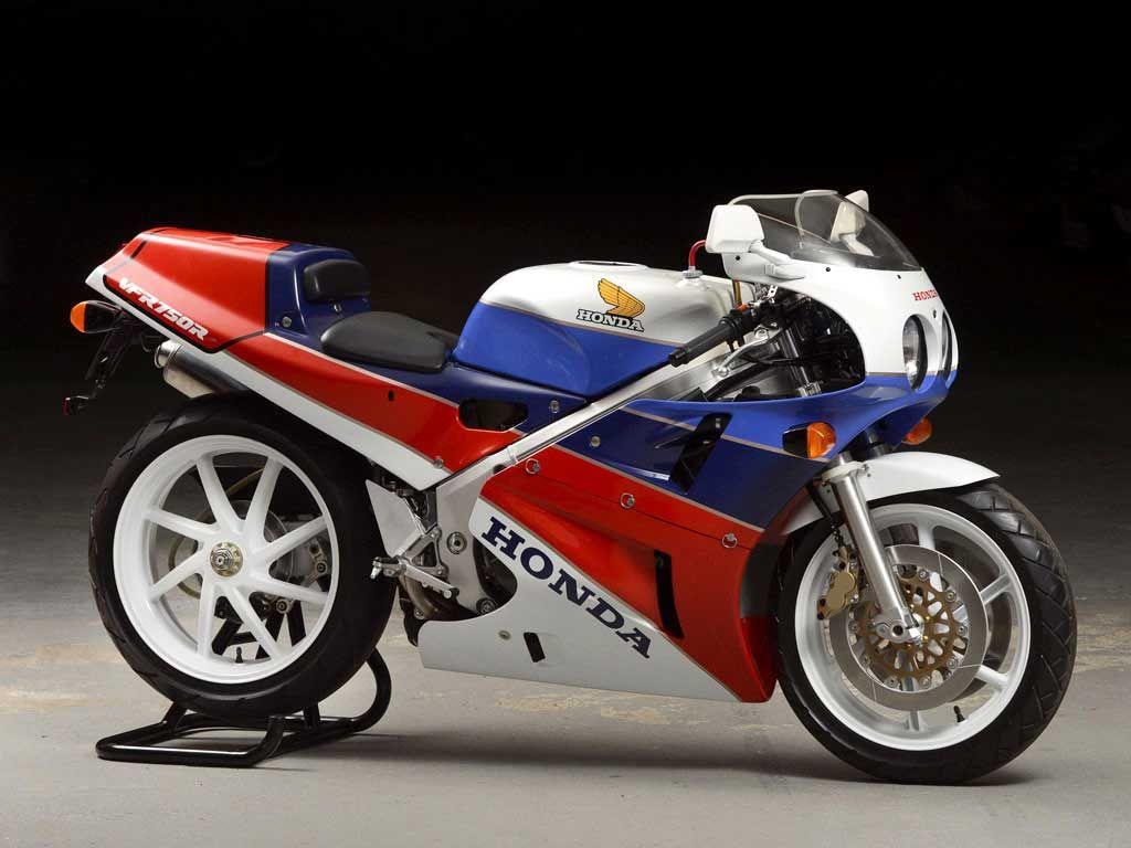 Honda VFR 750R RC30 (1988) - Super7moto Vintage Honda Motorcycles, Honda  Bikes,