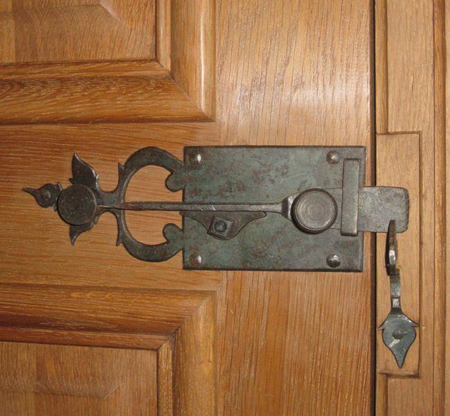 fer et bois les forges de signa serrures et serrurerie ancienne pour portes anciennes. Black Bedroom Furniture Sets. Home Design Ideas