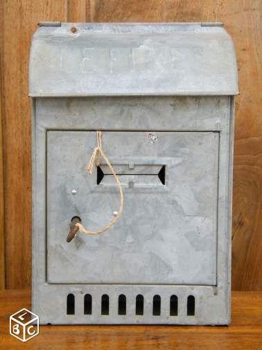 boite aux lettres ancienne d coration loire boites aux lettres originales. Black Bedroom Furniture Sets. Home Design Ideas