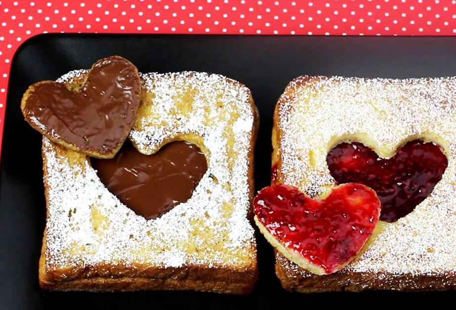 french toast mit herz rezepte zum valentinstag pinterest french toast kuchen und essen. Black Bedroom Furniture Sets. Home Design Ideas