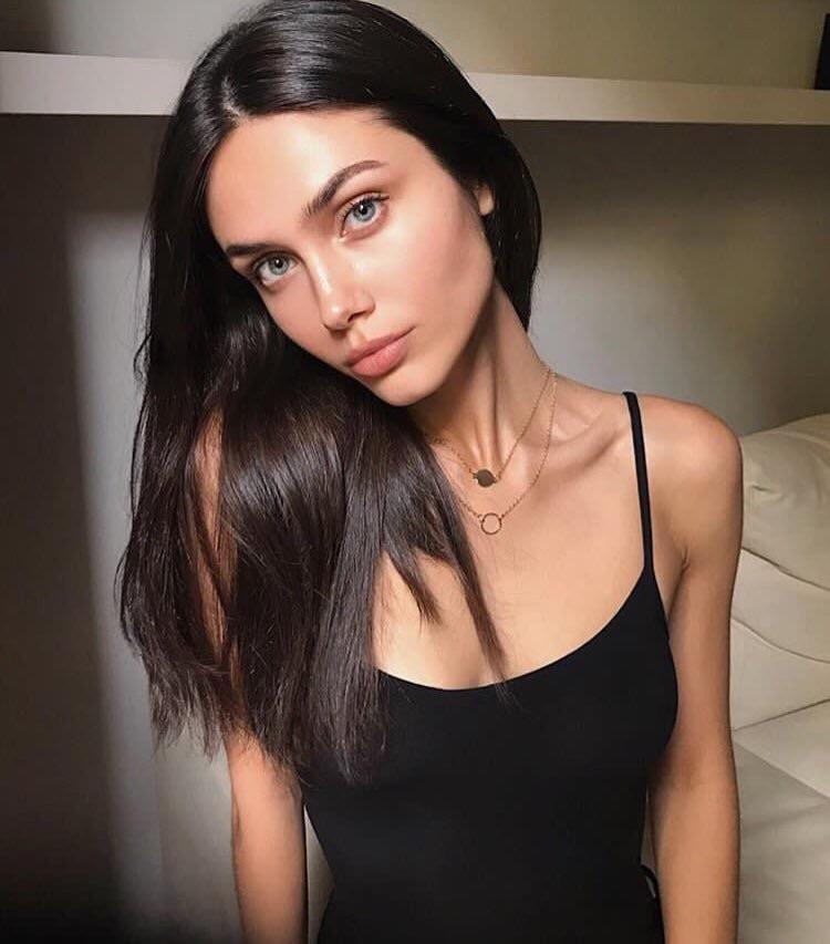 Pin On Vika Bronova