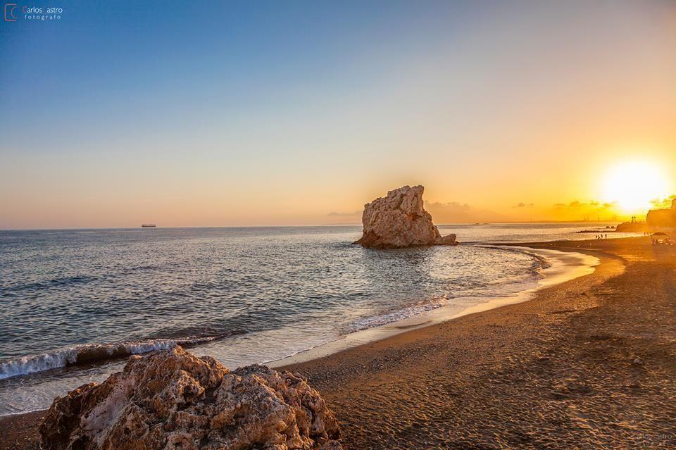 Atardecer en playa Peñón del Cuervo (Málaga) / Sunset over Peñón del Cuervo beach (Málaga), by @andaluciaparais