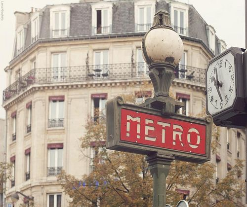 ParisBeautiful - Paris metro by Pinny Vooh on Flickr.