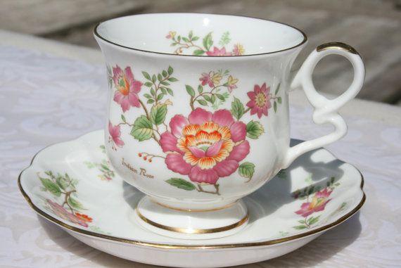 Royal Ascot kop en schoteltje met wilde rozen door HomiArticles $10.95 & Royal Ascot kop en schoteltje met wilde rozen door HomiArticles ...