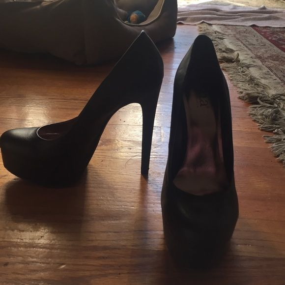 708746f0cce7 A.N.A Never worn A.N.A black heels size 7.5 with platform in the front as  well. willing to negotiate! a.n.a Shoes Heels