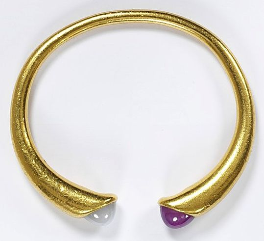 gold, amethyst and moonstone