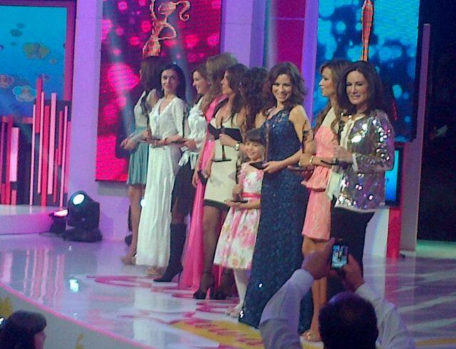 Todas las ganadoras 'Barbie Awards 2012' @gloriacalzada @AlexRosaldo @ximenaNR @RebeccaJones y mas http://yfrog.com/h0prjqlj